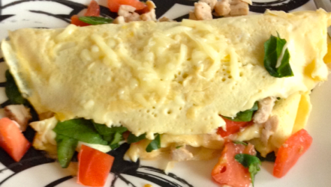 Spinach, Turkey, & Tomato Omelette